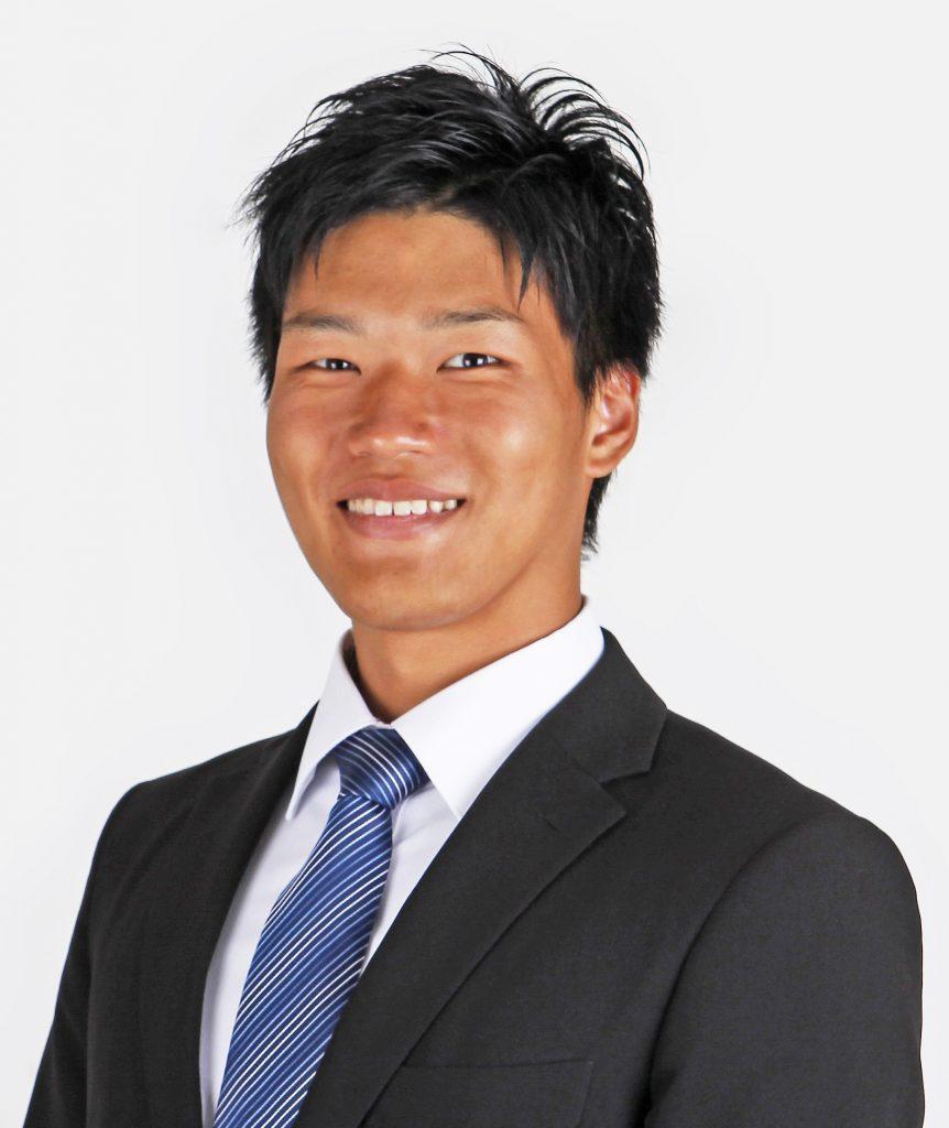 鈴木さんのスタッフ紹介写真